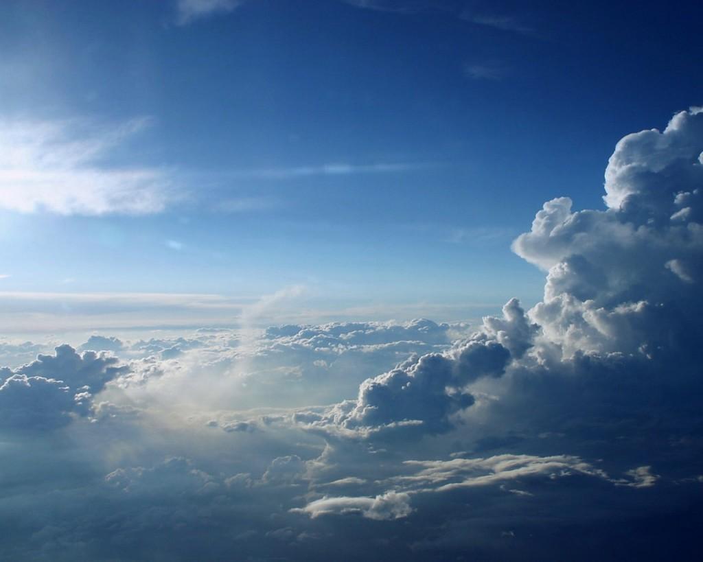 Blue-Sky-Scenery-HD-Wallpaper-in-Desktop
